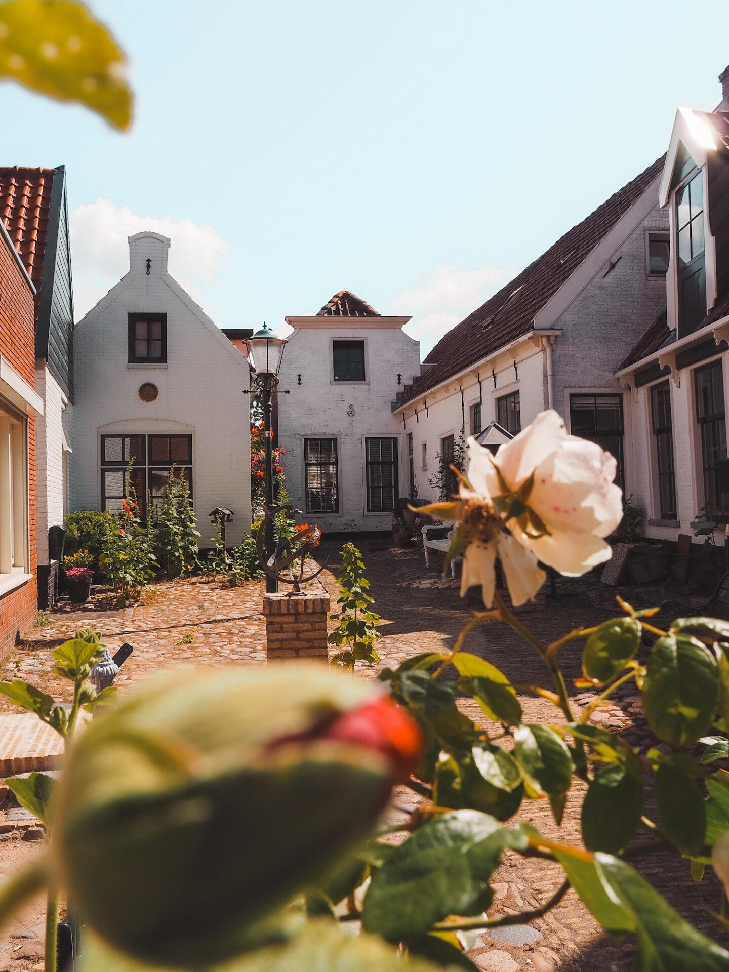 Huisje in centrum van den burg Texel